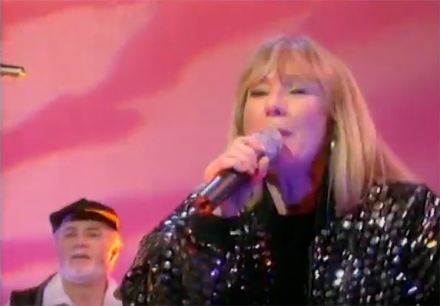 Chirpy Chirpy Live on Clive James 1998
